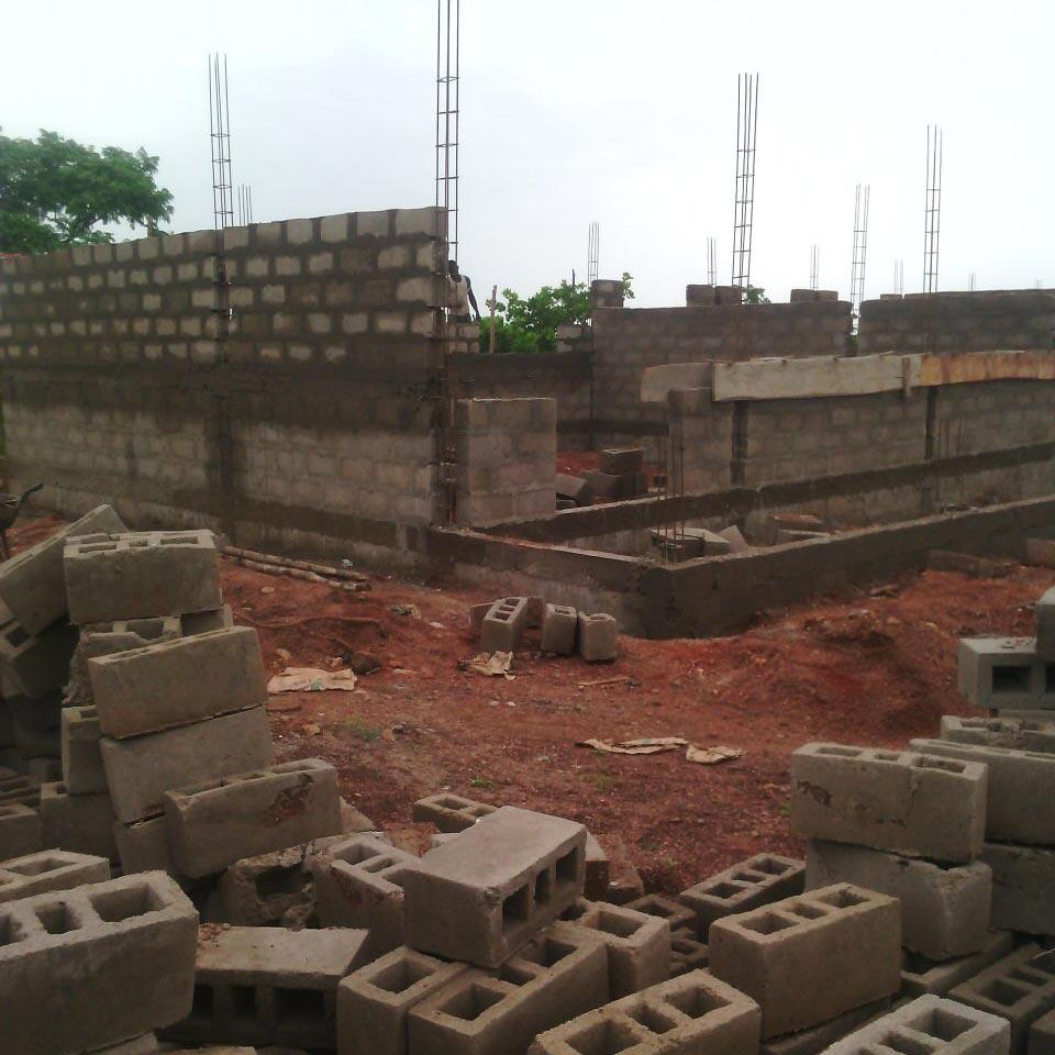 La costruzione prende forma.