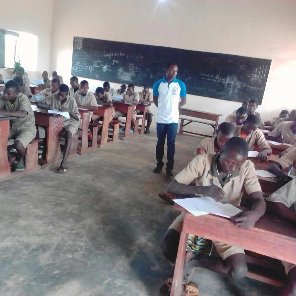 I primi studenti ad utilizzare le nuove aule.